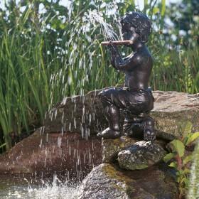 Teichfigur Oliver (Flötenspieler) Dekor Bronze 24*26*47cm, Polyresin